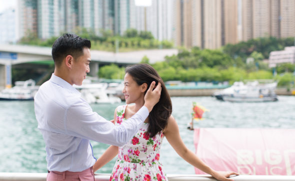 Hong Kong Engagement Portraits at Aberdeen Harbour